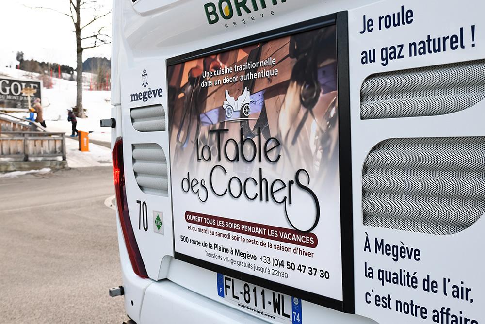Campagne d'affichage arrière de bus La Table des Cochers