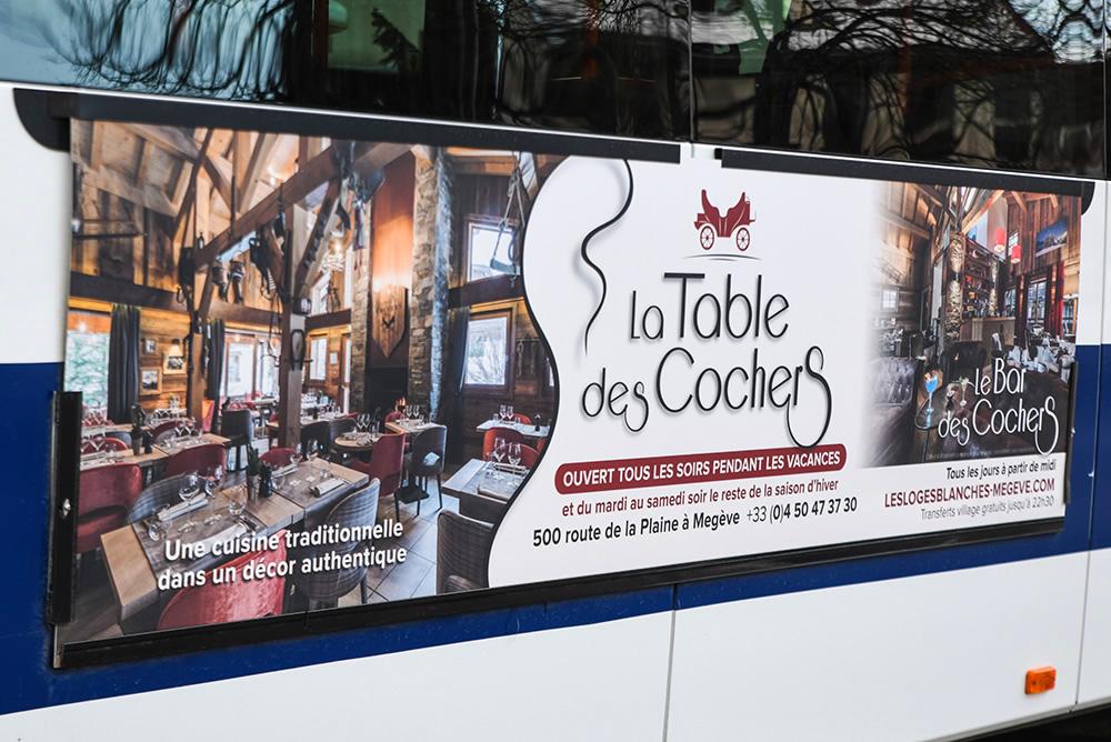Campagne d'affichage flanc de bus Borini La Table des Cochers