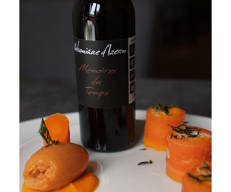 Habillage étiquettes de bouteille Balsamerie La Clandestine Izeron Vercors